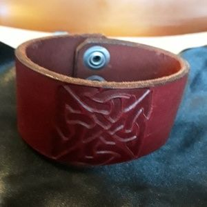 Celtic knot Red leather cuff bracelet